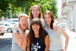 Eine Hebamme per Skye - www.expatmamas.de - Call-a-midwife Berlin Hebammen-Team von Sabine Kroh